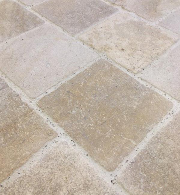 Carrelage en pierre de Bourgogne à Durtal